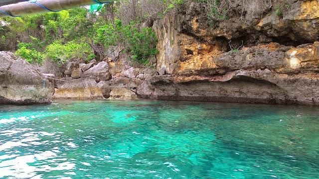 Teluk Biru Tempat Wisata Asal Banyuwangi Sungguh Mempesona