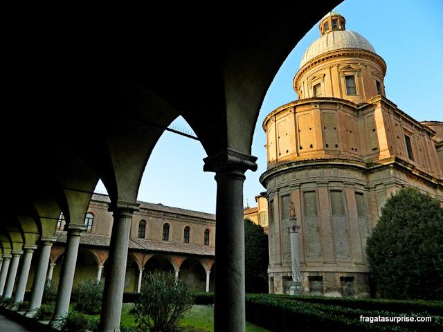 Claustro do Mosteiro de São Domingos, Bolonha, Itália