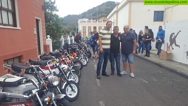 """Un encuentro de las míticas """"Honda 70"""" recorrió las carreteras de La Palma"""
