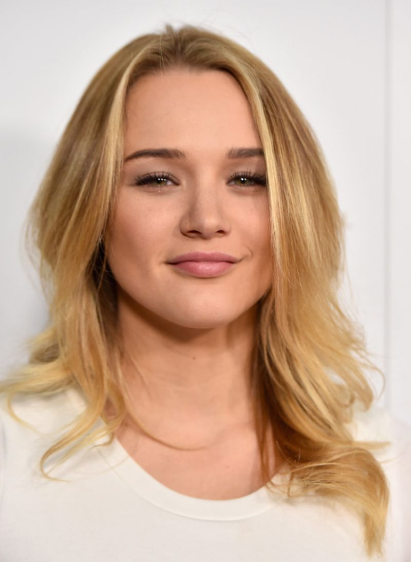 Full HQ Photos of 'Life in Pieces' actress Hunter Haley King at Television Academy Cocktail Reception in Beverly Hills