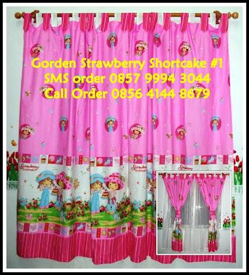hordeng murah motif strawberry warna merah pink untuk kamar anak