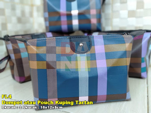 Dompet atau Pouch Kuping Tartan