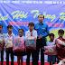 Hơn 400 em thiếu nhi, học sinh nghèo của xã Phú Tân, huyện Phú Tân vui hội trăng Rằm