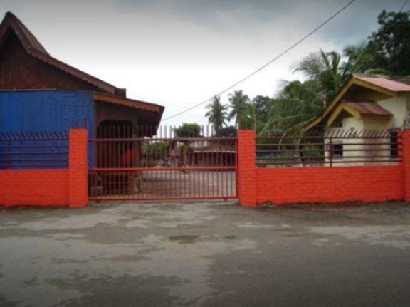 Seraya Pantai Chalet Pengkalan Balak Melaka.