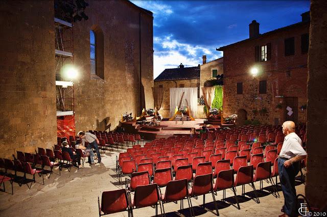 Val d'Orcia - Il Teatro povero di Monticchiello
