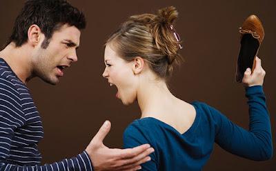 Người phụ nữ trở nên cáu gắt, khó tính hơn