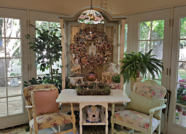 Wall Decor Changes in the Sunroom Pennys Vintage Home