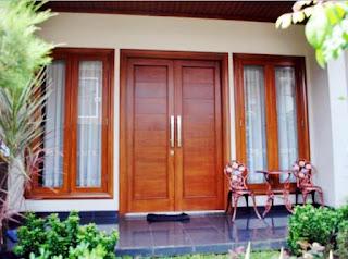 Kumpulan gambar kusen kayu pintu dan jendela minimalis bagus.