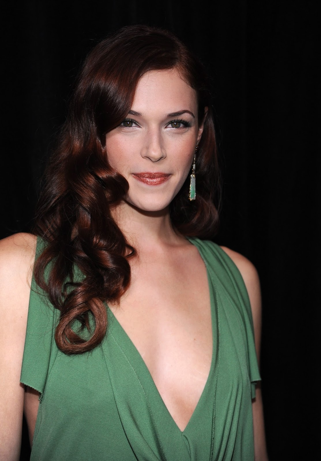 Actress and Celebrity Pictures: Amanda Righetti