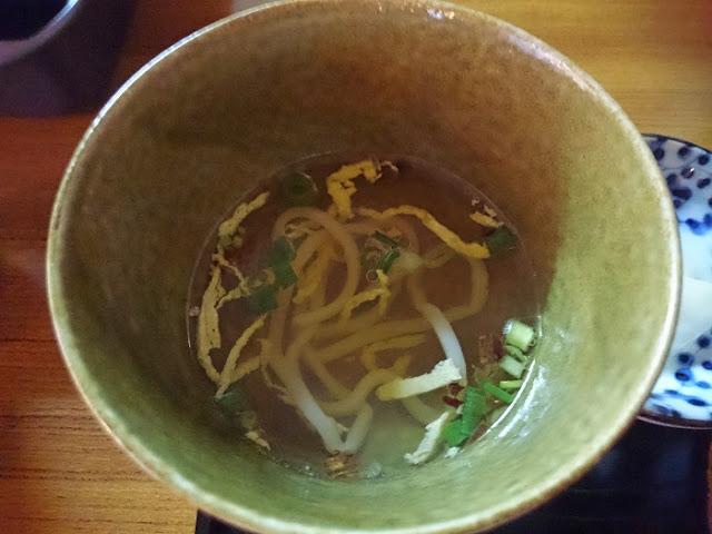 土鍋麻婆豆腐定食のスープの写真