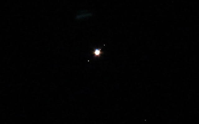how much moons does jupiter have - photo #18