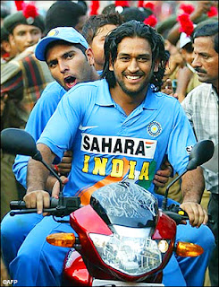 MSD,Captain cool,CSK,Dhoni winnin six,Dhoni and yuvi, Dhoni helicopter shot,India,Successful captain,Adam+Gilchrist+Mahendra+Singh+Dhoni