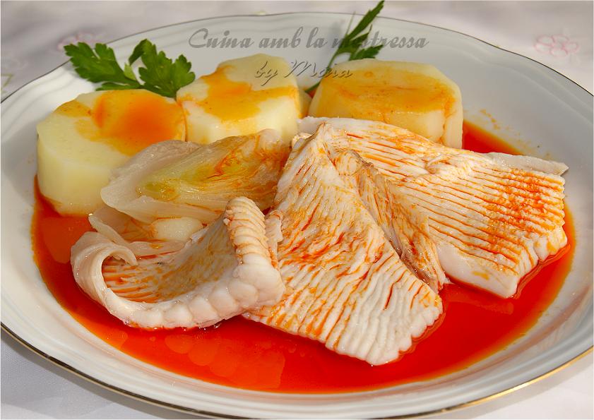 Cuina amb la mestressa raya a la gallega for Cocinar raya a la gallega