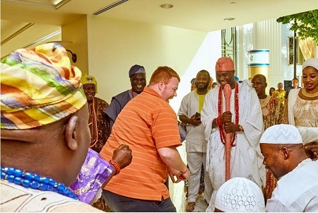 Fat Oyinbo Man Dances for Ooni of Ife and His Friends (Photos)