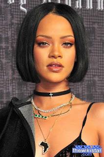 ريهانا (Rihanna)، إسمها الحقيقي هو روبين ريانا فينتي، مغنية بربادوسية