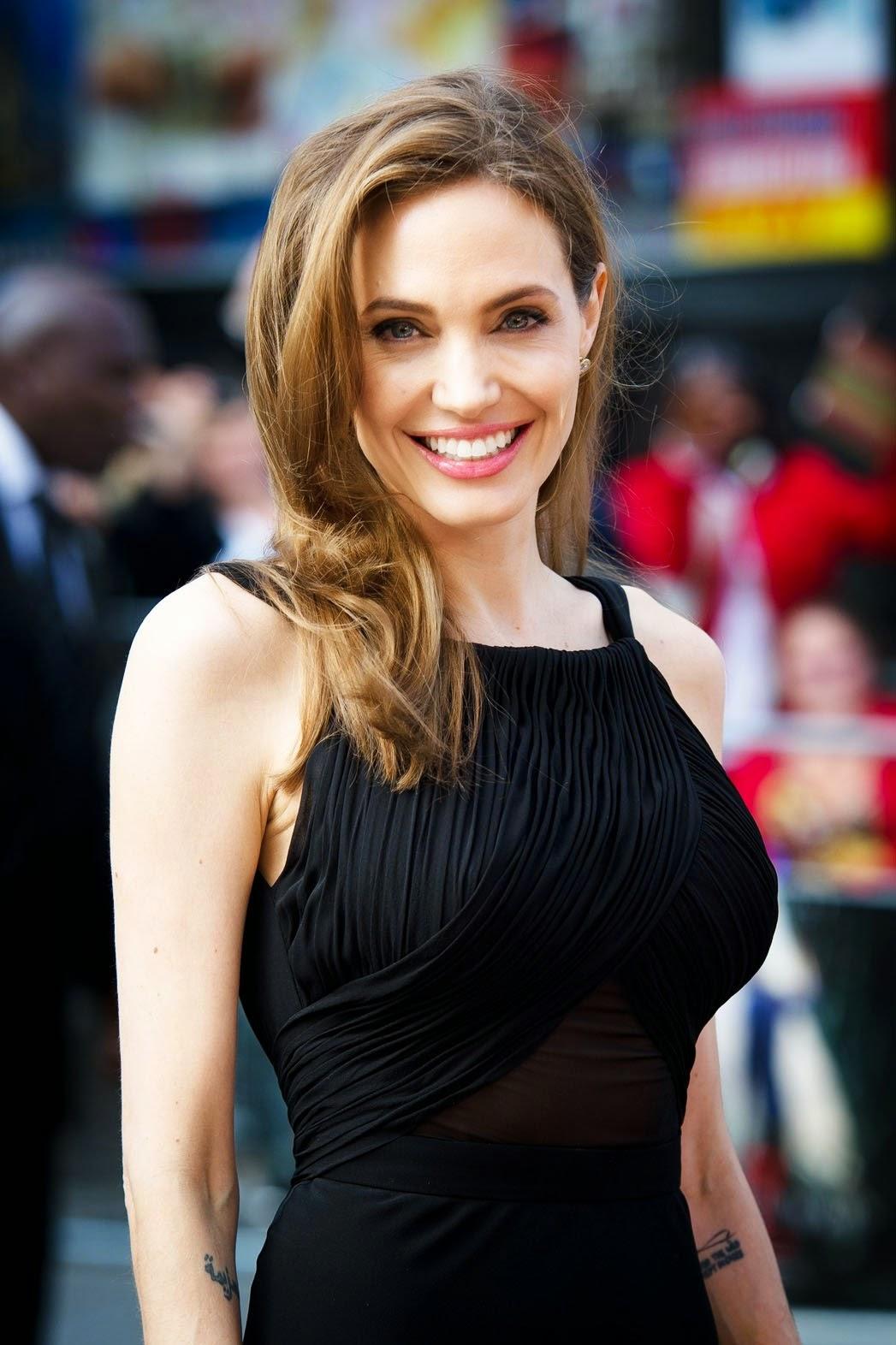 Beautiful Angelina Jolie Wallpaper