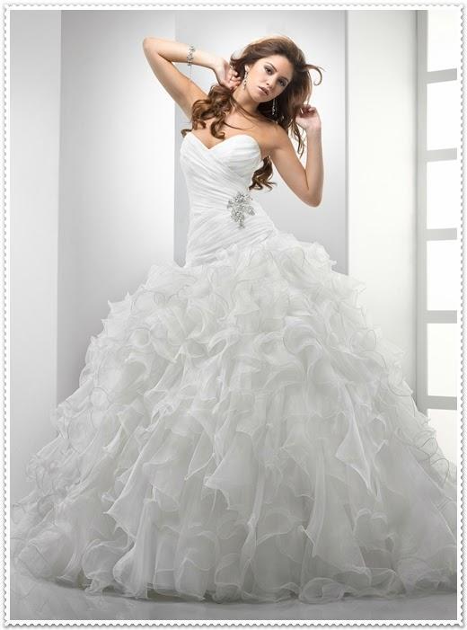 Salon düğünleri için 2014 gelinlik modelleri