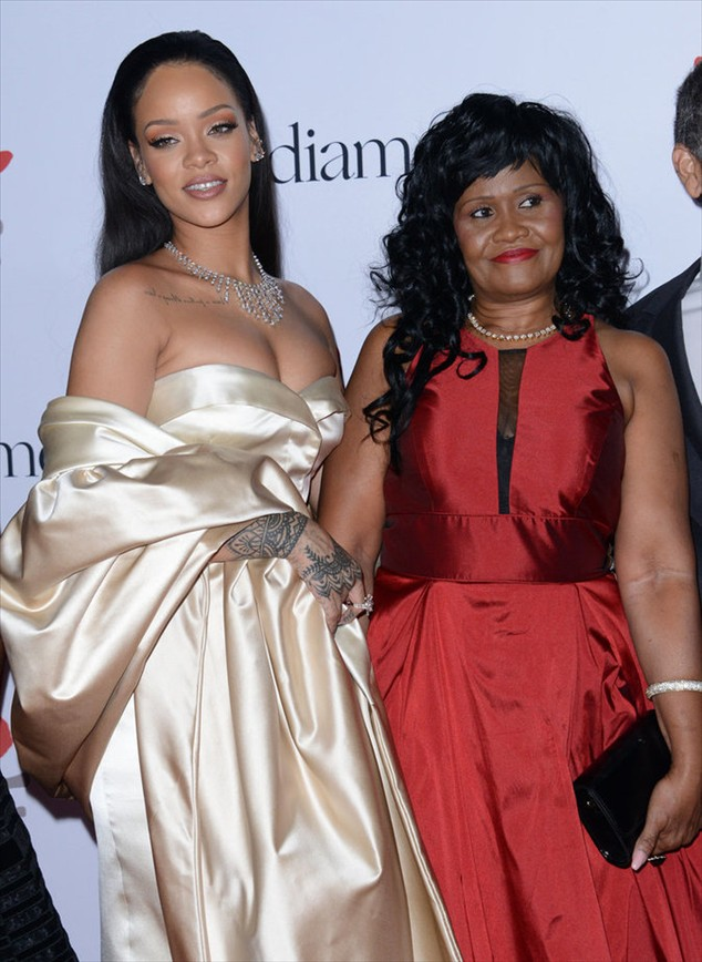 Rihanna embarked with her adorable niece