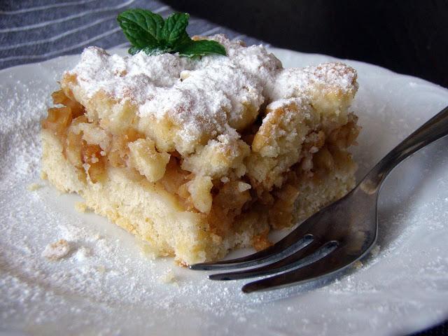 szarlotka Jesienne ciasto z jabłkami