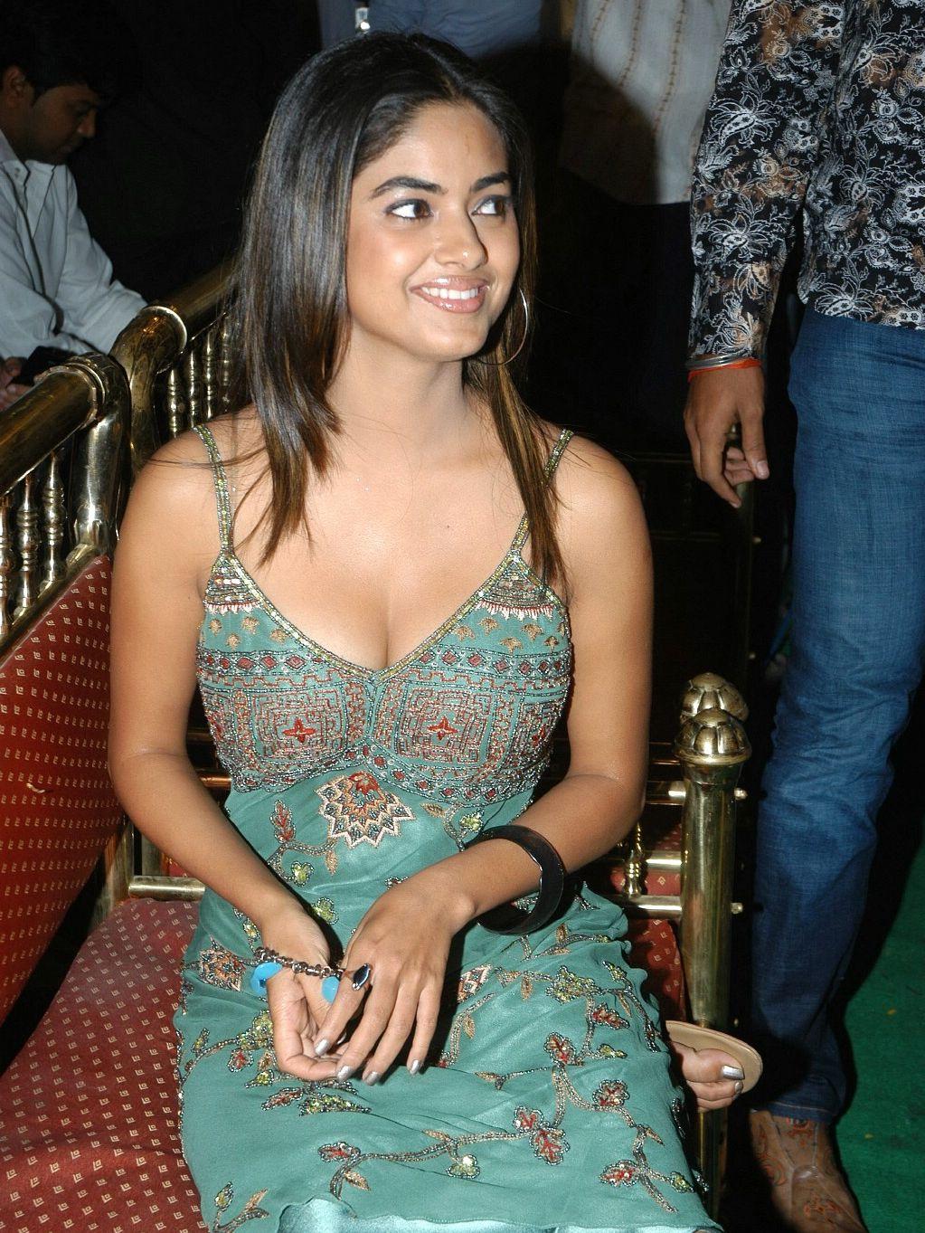 Meera chopra hot look