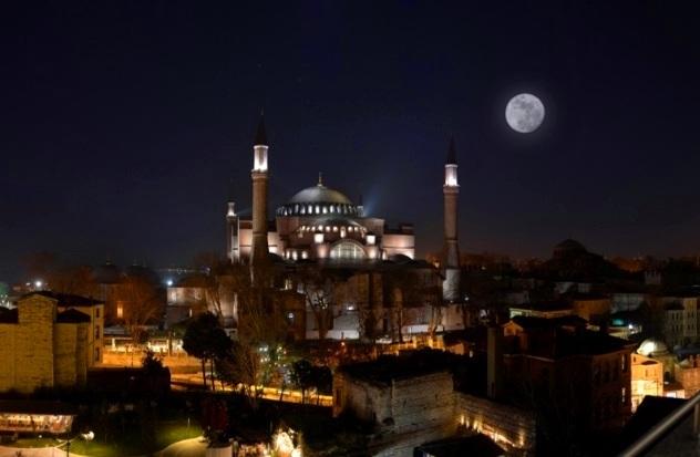 Lailatul Qadar Malam yang Lebih Baik dari Seribu Bulan