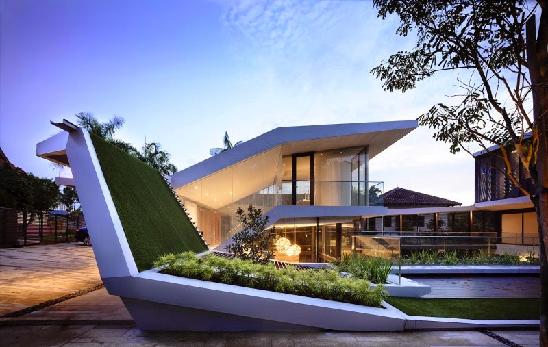Singapore Contemporary House with Futuristic Green Roof