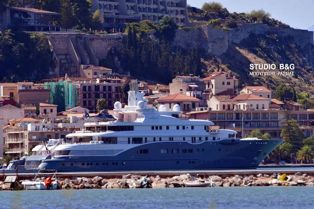 """Ο  Eμίρης του Ντουμπάι στο Ναύπλιο με το σούπερ yacht """"Radiant"""" αξίας 280.000.000 ευρώ!!! (βίντεο)"""