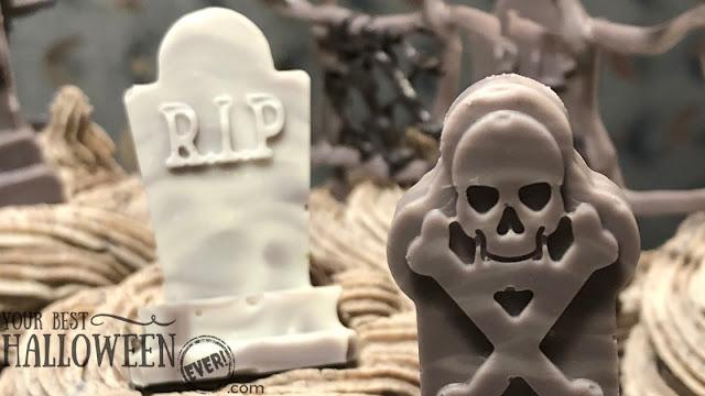 Halloween cupcakes, cupcake graveyard, chocolate gravestones, cupcake decorations