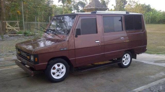 Toyota Kijang Doyok KF20