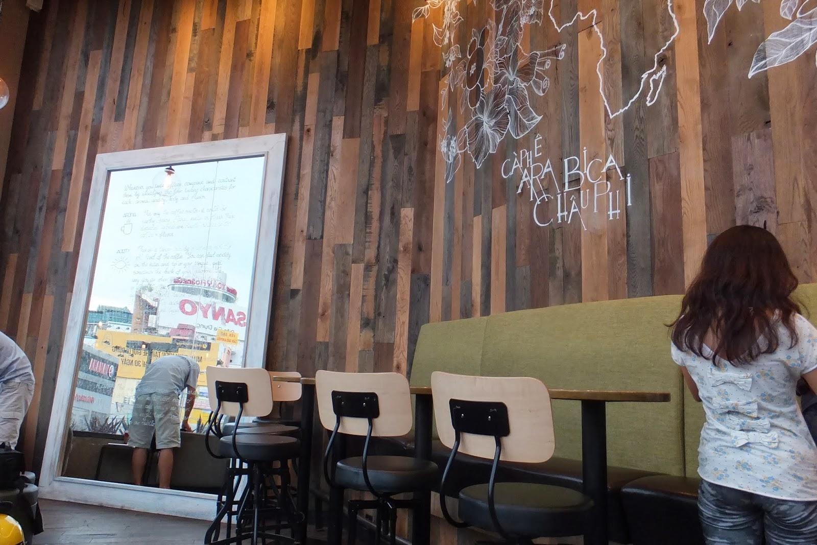 ホーチミン市のスタバ starbucks-coffee-HCMC
