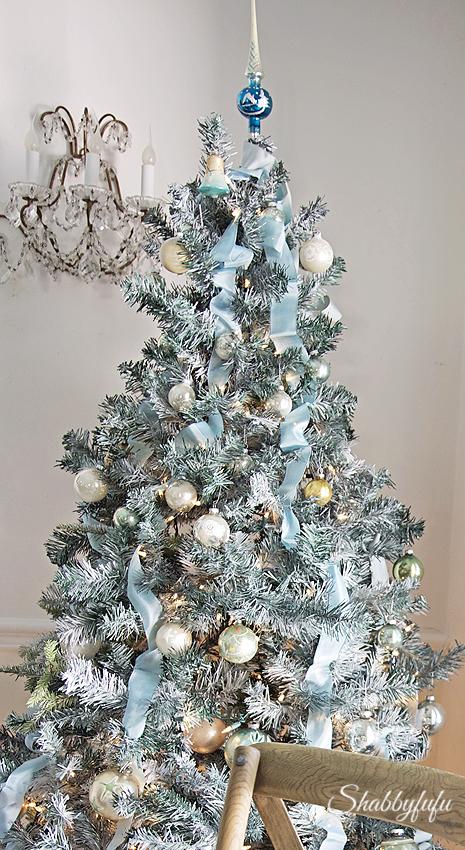 budget-christmas-decorating