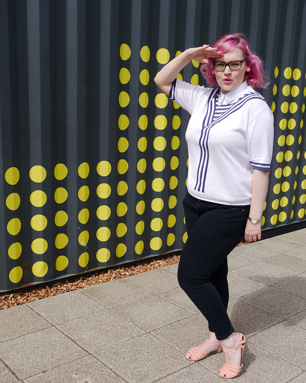 DIY pompom collar, how to make a pom pom collar, vintage sailor top, Abandon Ship Apparel kewpie collection, plus size blogger UK, Edinburgh Fashion Blogger, pink hair fashion blogger