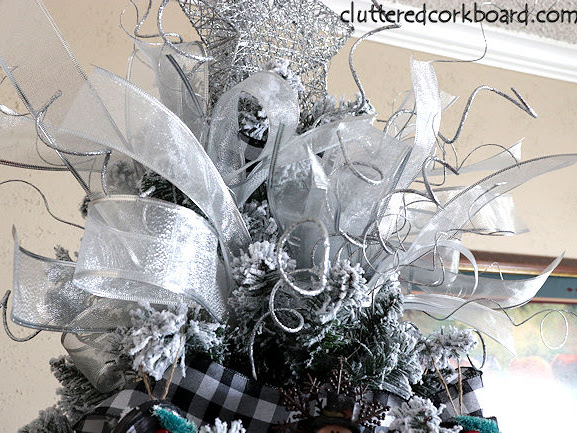 DIY a Poofy Ribbon Christmas Tree Topper