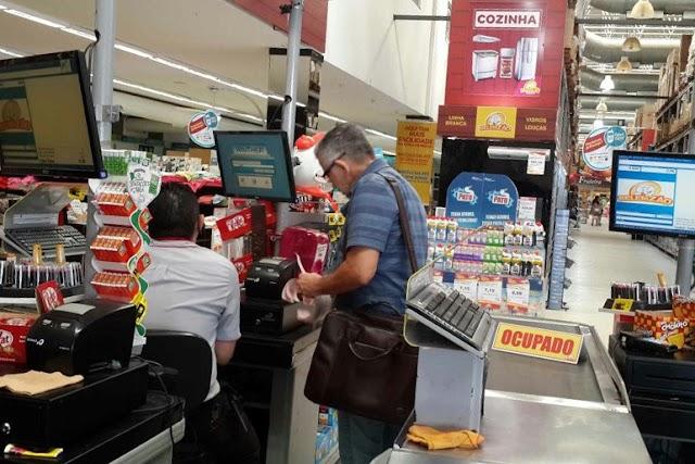 Governo revoga benefícios fiscais e amplia para os itens da cesta básica