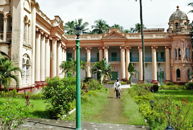 gaine bari palace mansion dhanyakuri west bengal india