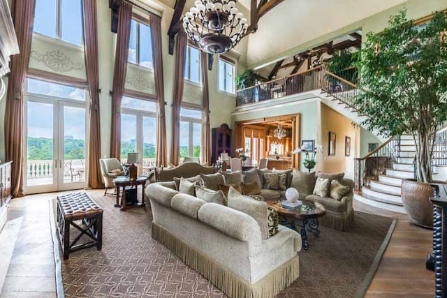 TYLER PERRY'S ATLANTA MANSION SELLS TO STEVE HARVEY & SETS ANOTHER RECORD!