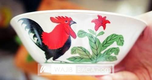 Tahukah Anda Sejarah dibalik Mangkuk Bergambar Ayam Jago?