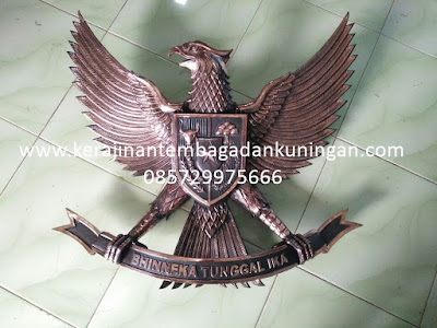 Patung Garuda Tembaga