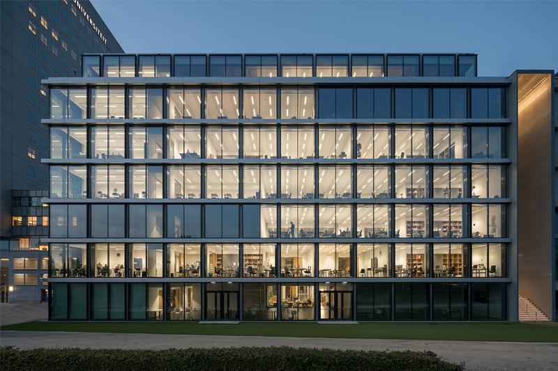Học khối kinh tế Hà Lan, không thể bỏ qua Rotterdam University