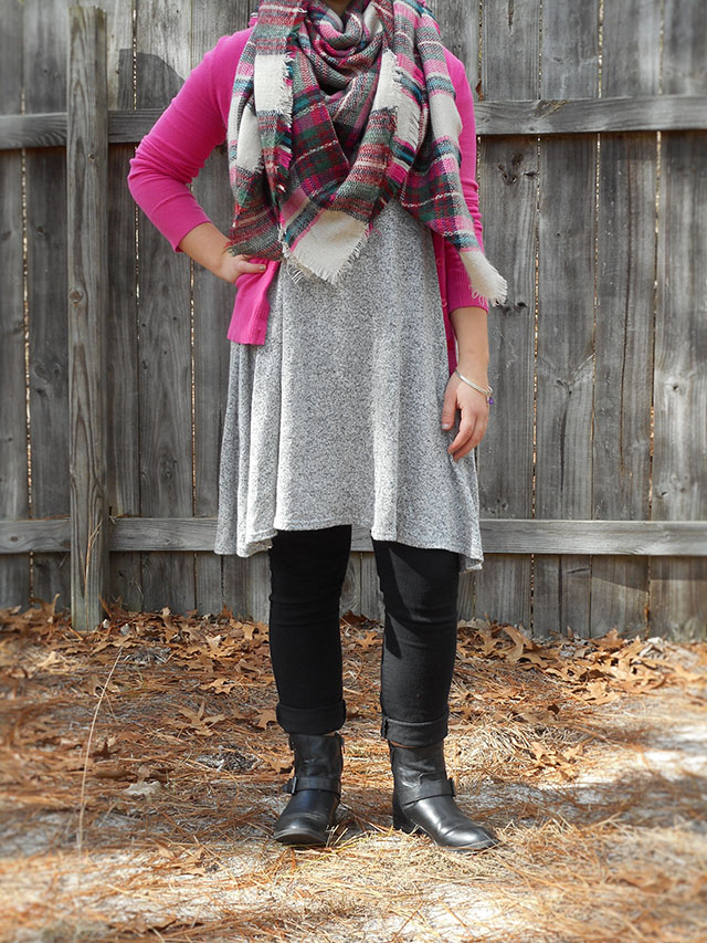 5 Swoon-Worthy Outfits Perfect for Valentine's Day pink casual inspiration tulle chambray blanket scarf bows