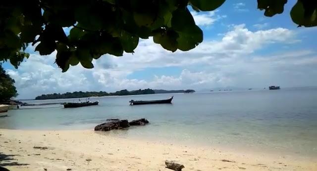 Pulau pelepas Bangka tengah