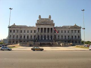 Montevidéu - Assembleia Geral Bicamaral, Sede do Legislativo