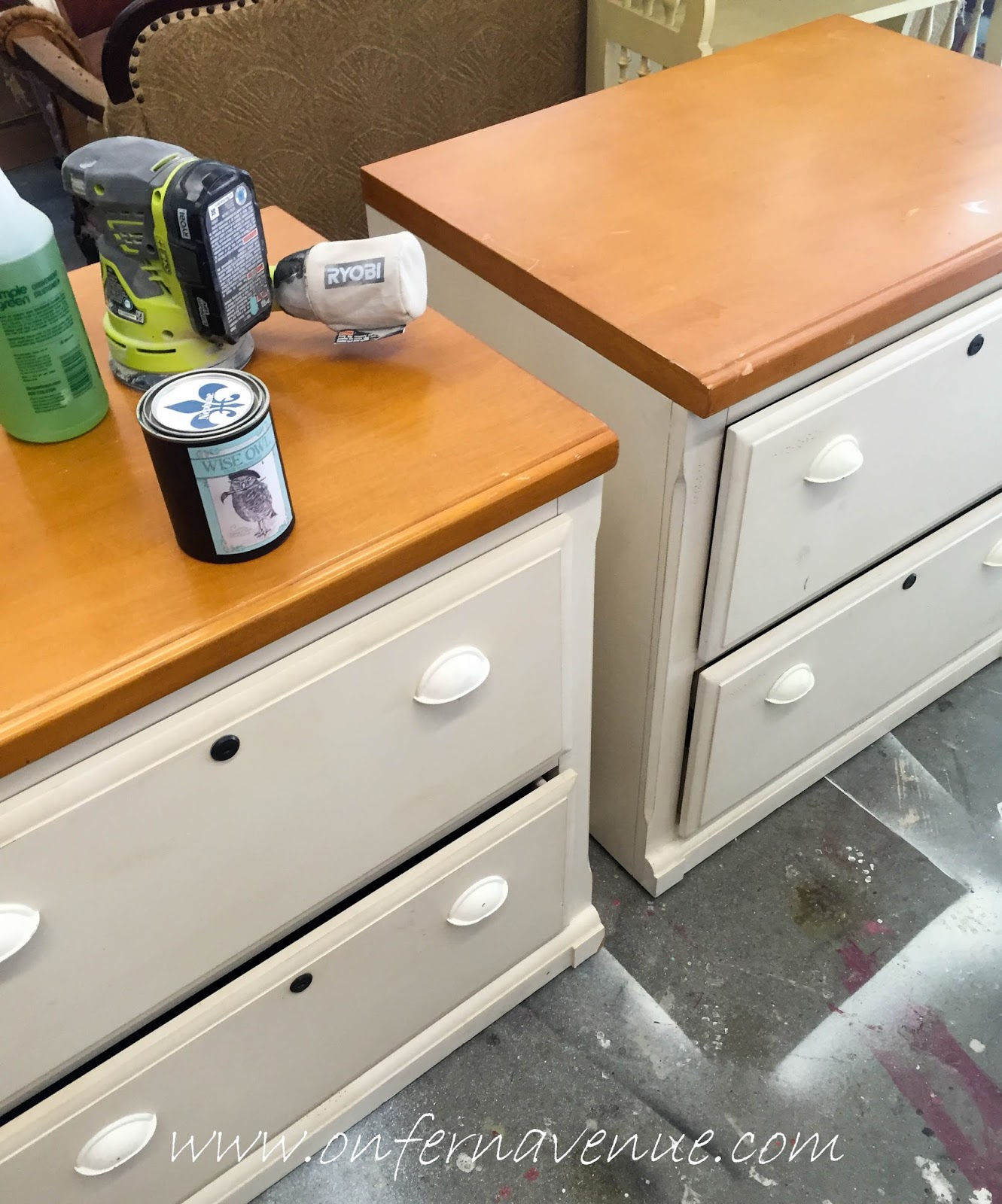 Wise Owl Neptune & Unicorn Spit office desk - Lynn Fern