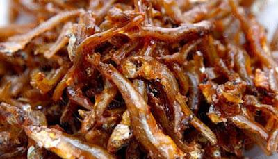 Hướng dẫn cách làm món cá cơm chiên tỏi ớt đơn giản mà ngon