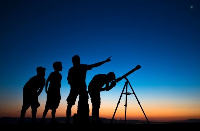 علماء الفلك يكشفون عن يوم عيد المولد النبوي بالمغرب