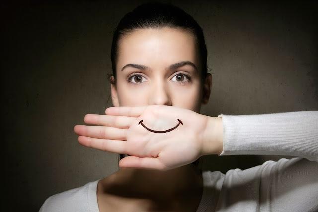 La Verdad Que Se Esconde Detrás De Su Sonrisa