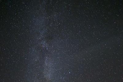 niebiańscy bogowie, bóg, modlitwa, religia, wiara, gwiazdy, noc; źródło: magedeleine.co