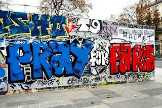 street-art-hommage-attentt-paris-13-novembre-2.jpg