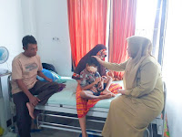 Bupati Bima Besuk Seorang Anak yang Mengidap Penyakit Tumor Ganas