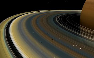 Cassini cerca spiegazione enigma anelli di Saturno
